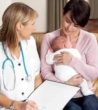 baby_with_nurse_01
